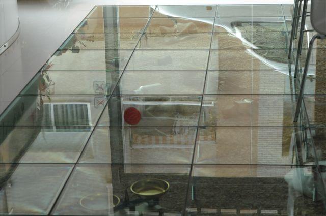 Centro cultural valencia comon - Suelos de vidrio ...